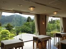 お食事会場からは大文字山がよく見える絶景です。