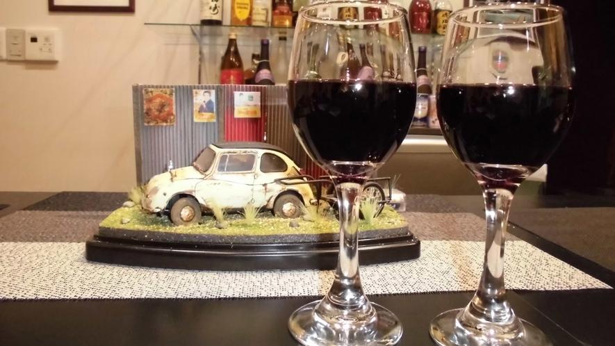 ・<1階パブ「まぶはい」>ワインの無料サービス♪