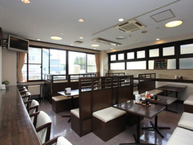 【レストラン】営業時間:朝食6時半〜9時半、夕食18時〜21時
