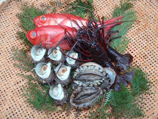 【基本プラン】漁師のオーナーがふるまう夕食&朝食付き1泊2食付きプラン