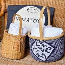 *【湯籠・布バック】湯巡り用のタオル等を籠に入れて玄関にご用意しております。番頭にお申し付けください