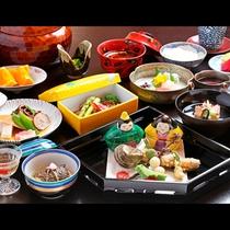 *【お夕食一例】初夏のお夕食一例・季節先取りの食材を美しい器に盛り付けてご提供いたします。