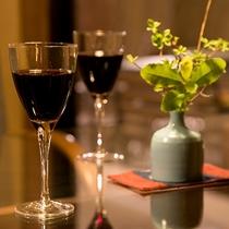 *【バーラウンジ】グラスワインもご用意ございます。
