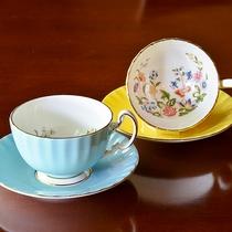 *【カップ&ソーサー】Aynsleyコテージガーデン・コーヒーはこだわりのカップでご提供いたします。