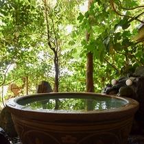 *【露天風呂付スイート・椿】お部屋の露天風呂・内湯ともに道後温泉の御湯を引いております。