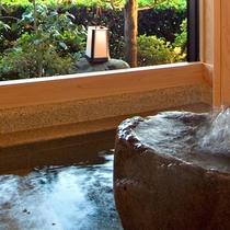 *【和室スイート・桃】10畳+9畳 お部屋の半露天風呂は道後温泉の御湯です