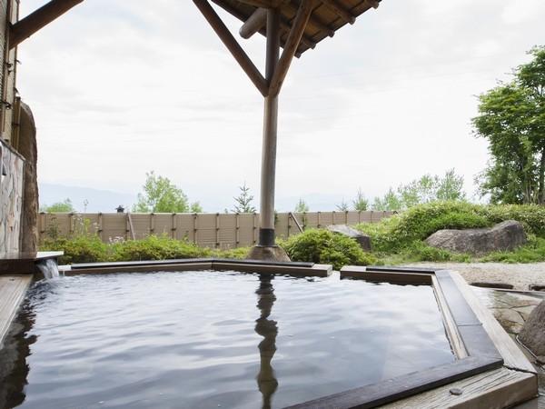 【日帰り温泉 みはらしの湯】 露天風呂