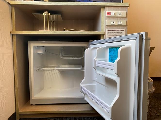 冷蔵庫の中は空けております。ご自由にお使い下さい。