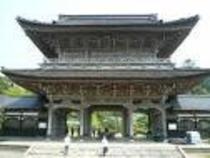 總持寺祖院の山門(曹洞宗)