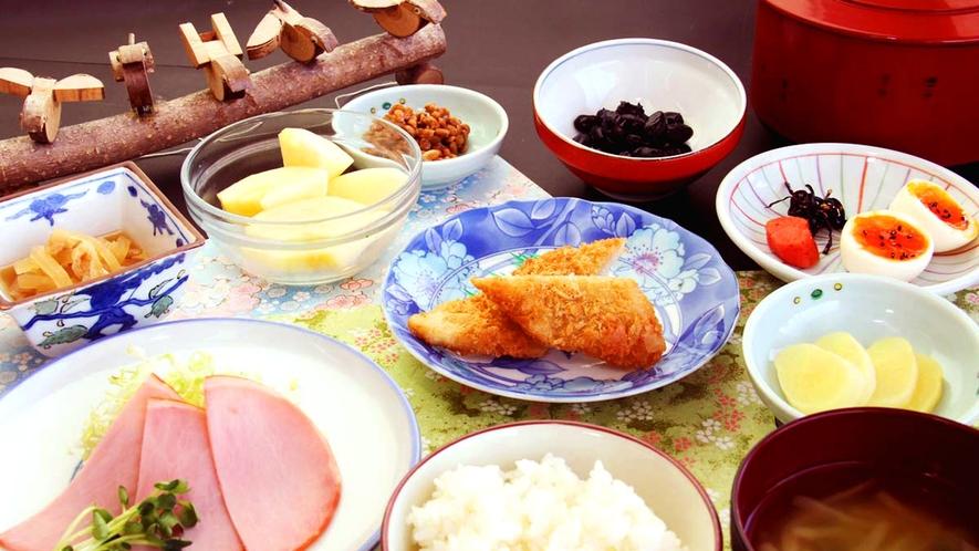ボリューム満点の朝食でしっかり朝のエネルギー補充