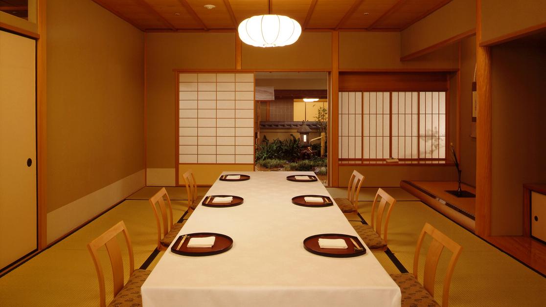 日本料理 花城