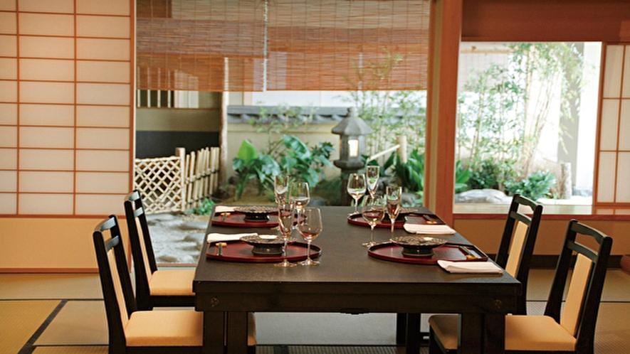 【日本料理 花城】お祝い、ご家族の会食に最適。座敷「竹」(椅子)