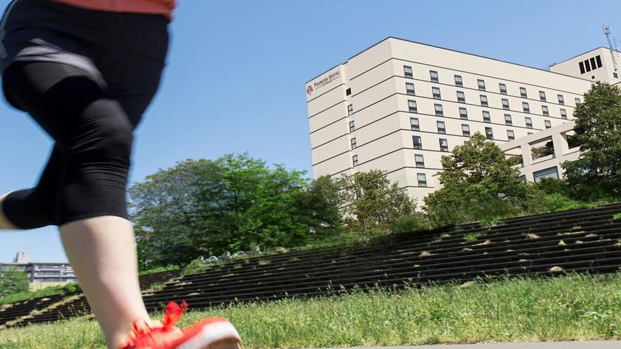 豊平川河川敷のサイクリングロードはランナーにも人気!