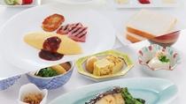 当面の間ご朝食は定食で提供致します。
