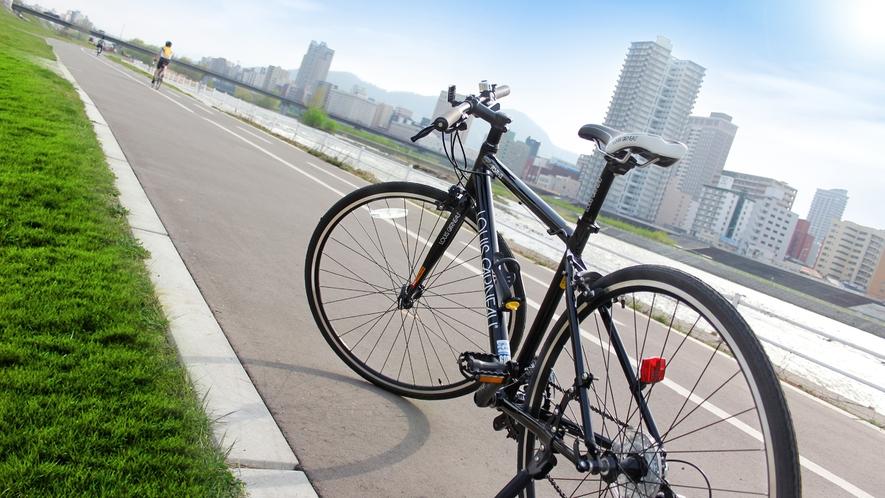 豊平川サイクリングロード(春夏季レンタサイクル有、詳しくはホテルまでご連絡ください)