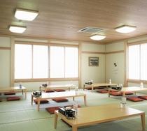 *【温泉の休憩場】和室で一息休んでから、お部屋にお入りください