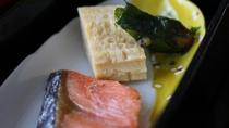 *【はぎ苑朝食】鮭切り身 / しそ巻 / 焼き卵