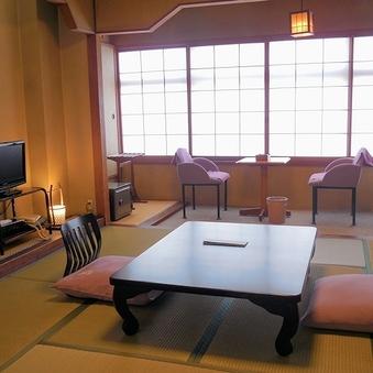 【レトロ客室】本館和室10畳◇ユニットバス・シャワートイレ付