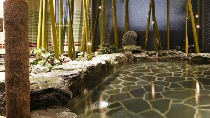 【男性】大浴場岩風呂(湯温:41~42℃)