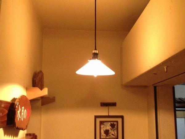 エジソン電球をしようしたレトロなペンダントライト