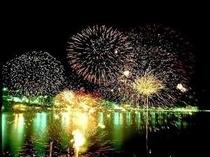 湯河原海上花火大会♪♪なんと6000発!!11月3日 20時より