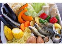 BQQにはお肉のほかにうま味たっぷりのお野菜や季節によってはアユ、サザエも