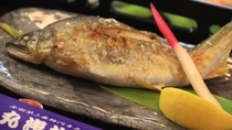 厳選素材!天然鮎の美味塩焼き