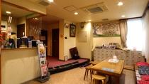 丸浅旅館のフロント