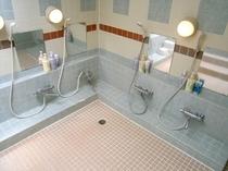 3階大浴場・シャワー、カラン