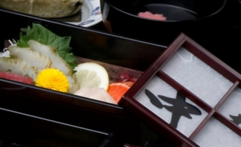 料理一例(お造り)