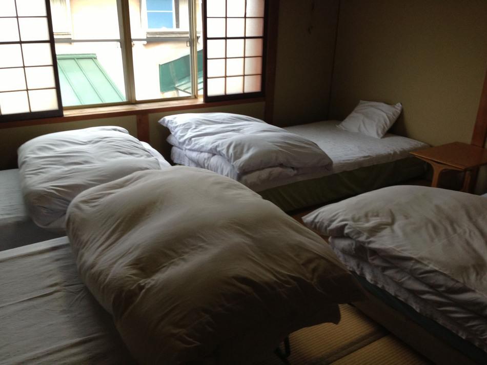 四人部屋1