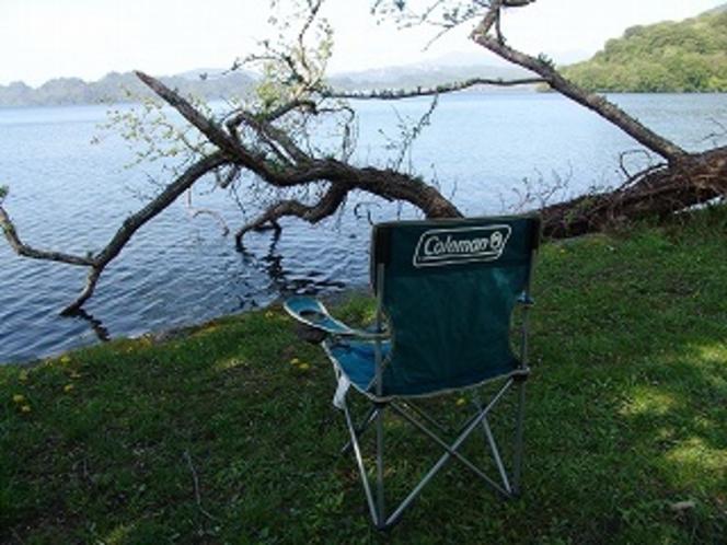 生出キャンプ場の湖畔