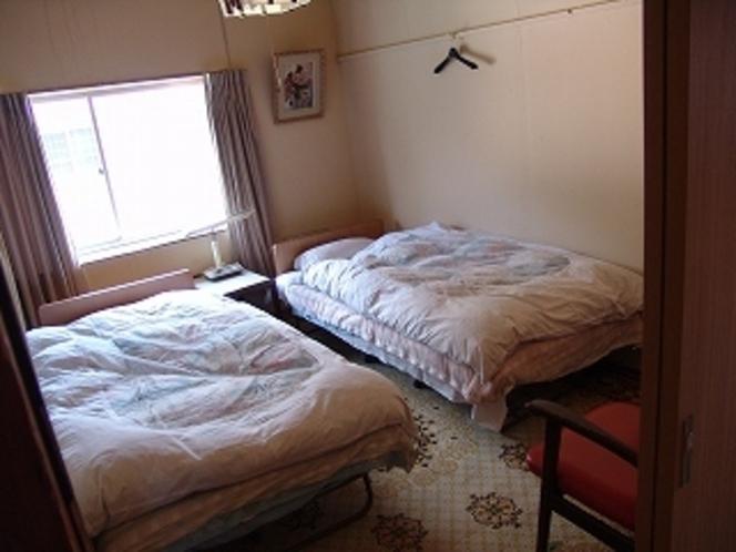ツインベッドルーム2
