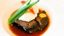 ご夕食一例:月替わりで薩摩の美味をお召し上がりください。