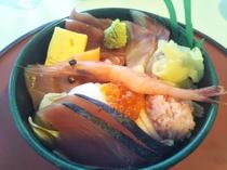 ウヲッセ21レストランでの海鮮丼