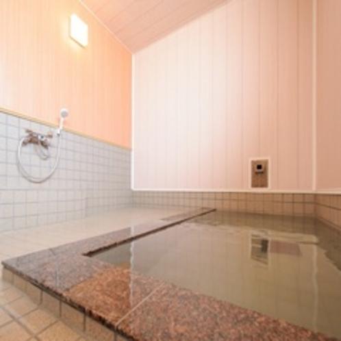 温泉…地域でも泉質がよいと評判の湯です。