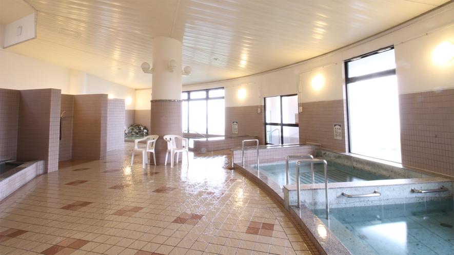 *大浴場一例/ジャグジー、水風呂、サウナもございます。(※朝は大浴場と露天風呂のみ)