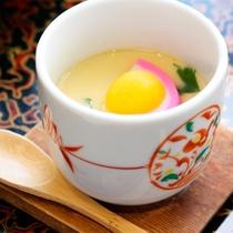 *岬御膳ふぐ鍋コース/出汁の効いた茶碗蒸しも人気。