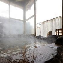 「曙の空」の露天風呂