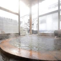 「月の詩」の露天風呂