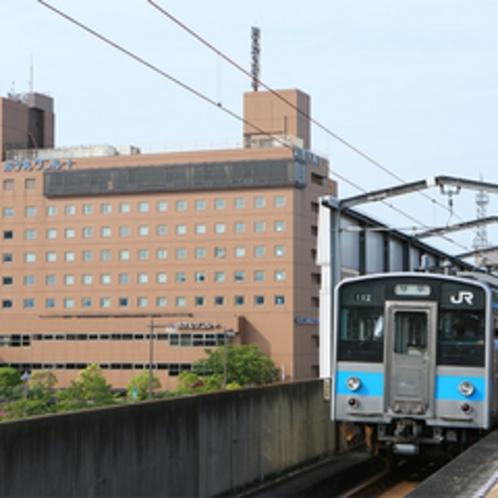 アネシス瀬戸大橋は駅から出たら直ぐ目の前。駅から徒歩0分♪