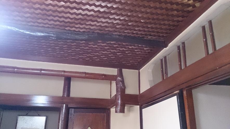 アンティークな天井
