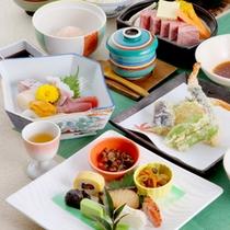 【グレードアップ夕食一例】季節の会席コースがグレードアップ!量・質共にご満足いただけると思います。