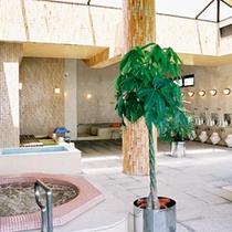 【温泉健康浴場】当館のお湯は毘沙門鉱泉という天然温泉を加温して利用しています。
