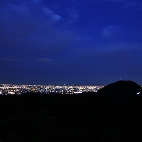 一千万ドルの夜景をお楽しみ下さい。