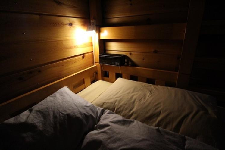 ベッド周り