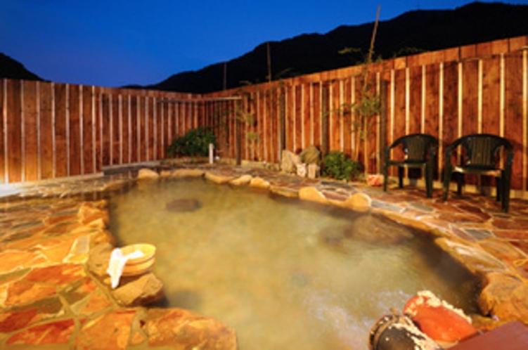 大浴場・露天風呂の夜