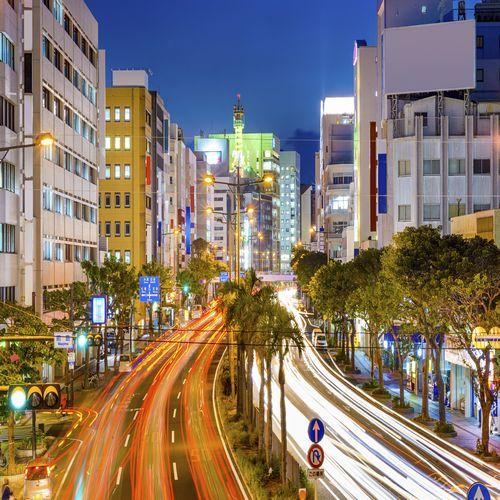 沖縄の幹線道路 国道58号線
