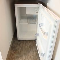 冷蔵庫は空の状況となっております