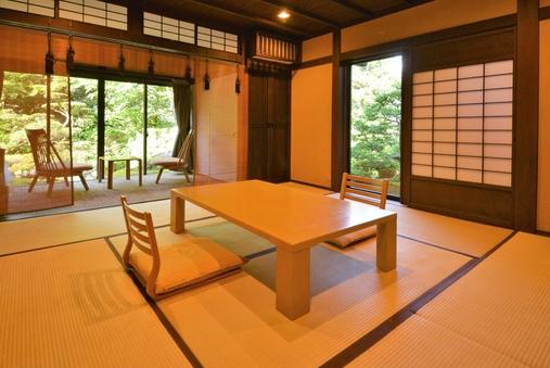 和室8帖+3帖(日本庭園+池の眺め)